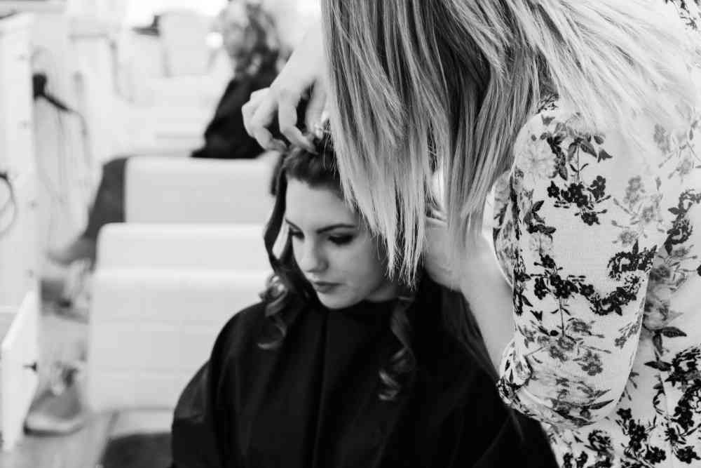 hairdressing b&w