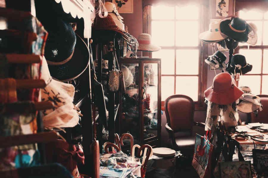 vintage second hand shop